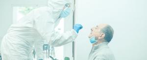 Colaborador prueba de antigenos
